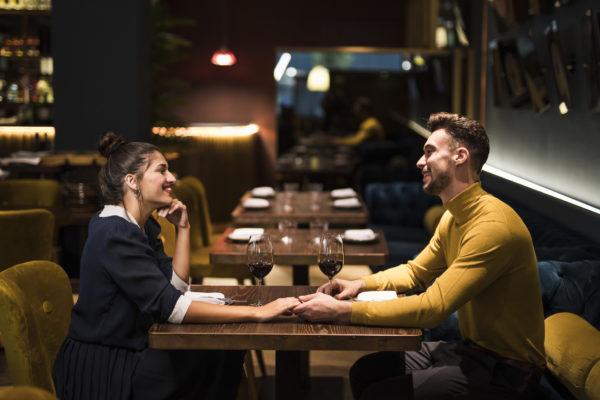 Decoração de Dia dos Namorados para restaurante: surpreenda seus clientes