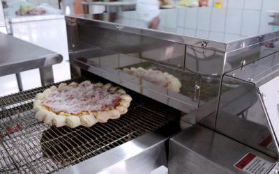 6 Dicas de como escolher um forno esteira para pizzaria